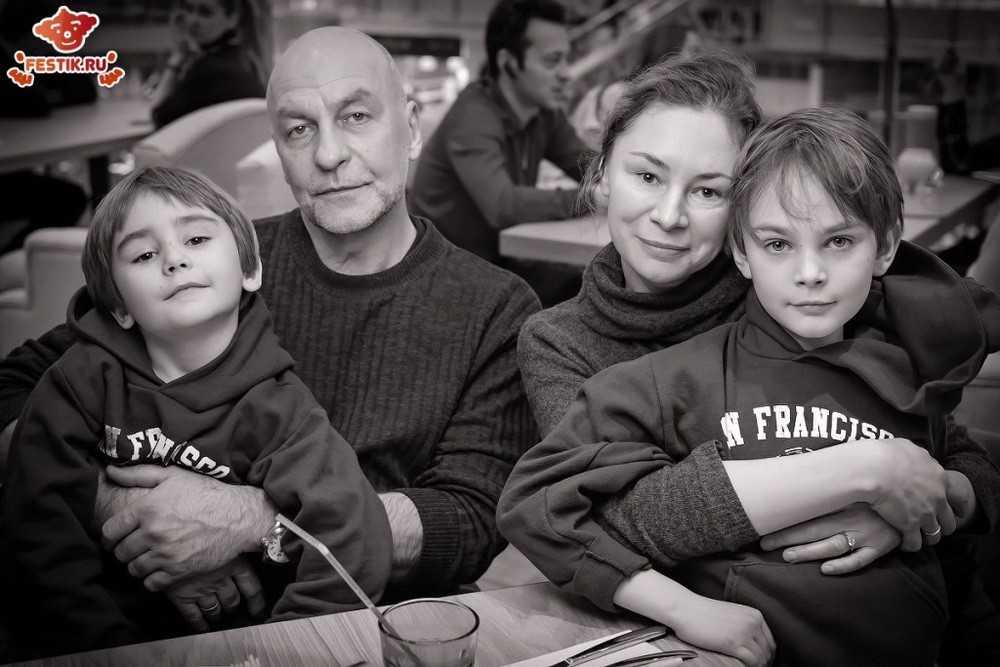 fotootchet-otkryitie-restorana-monster-hiils-13-fevralya-2016-festik-moskva (48)