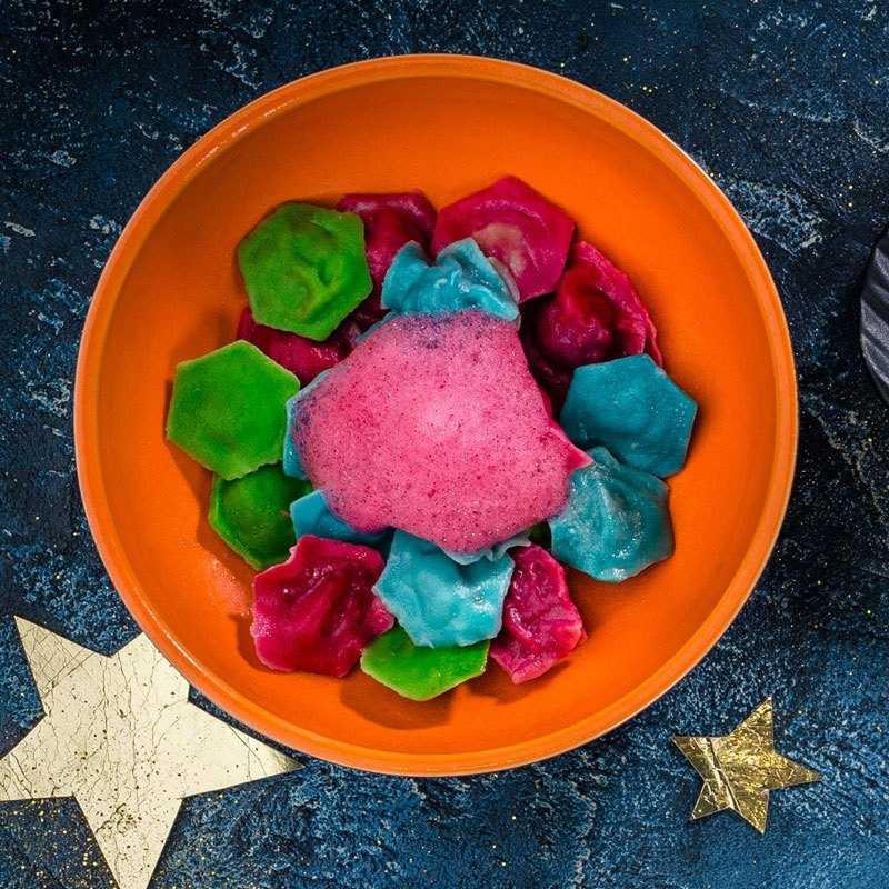 <p>Цветные пельмени<br />  Собранный цветной метеоритный град, приготовленный в кипящей жидкости.</p>