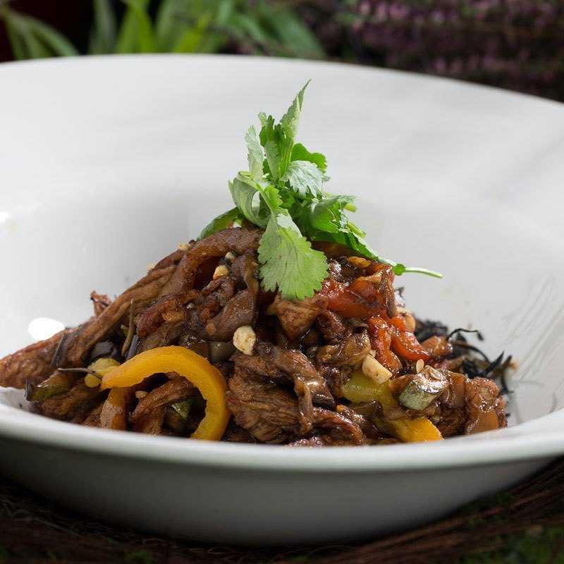 <p>Филе индейки с овощами обжаренными на гриле с дымком</p>